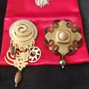 2 Brooch Pins